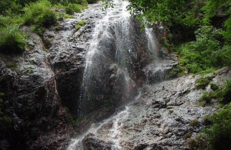 宮崎県諸塚村の白土々呂滝